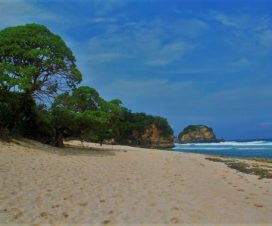 Pantai Kuncaran