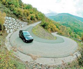 Cara Mengemudi Mobil Manual Di Jalan Menurun Bagi Pemula