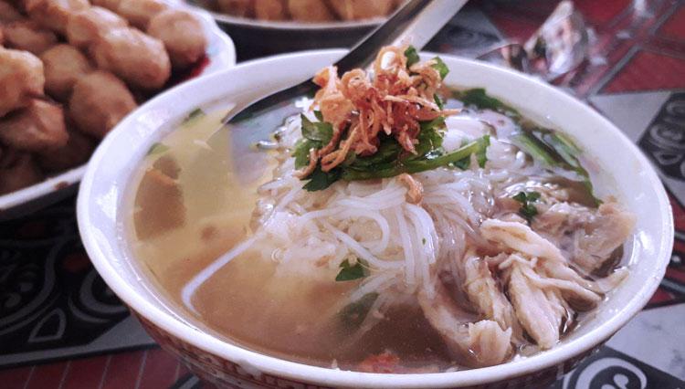 soto daging sapi khas boyolali kuah bening